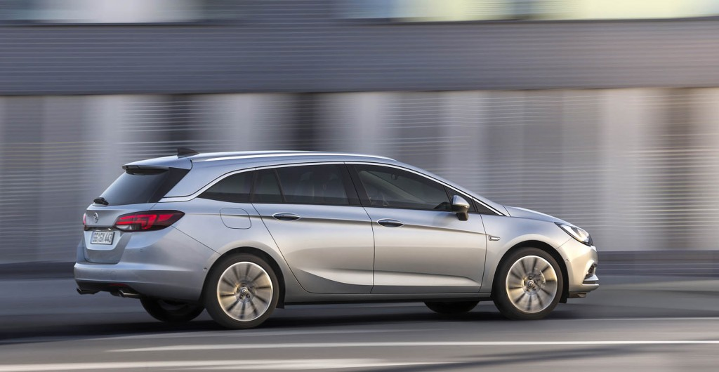 11-Opel-Astra-Sports-Tourer-premiere
