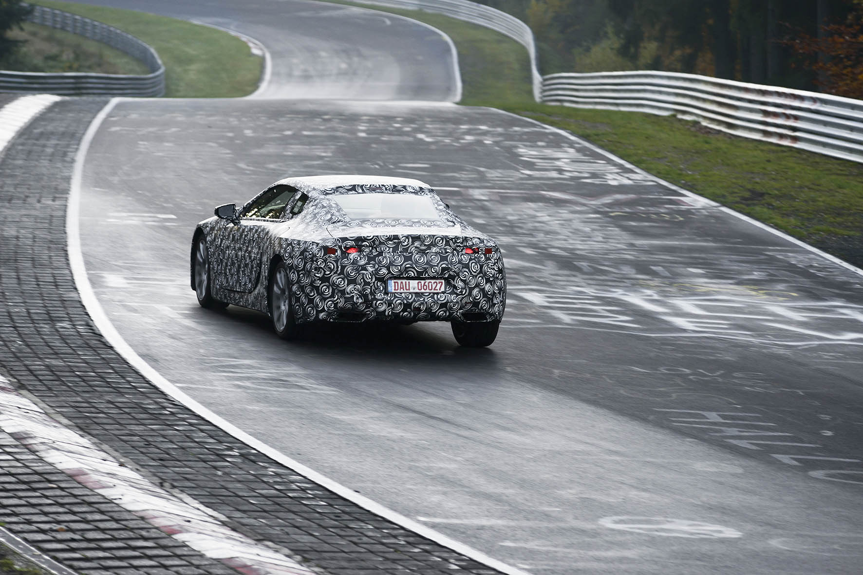 Lexus-LC-Technisch-DNA-Lexus-LFA-supersportscar-vertaald-naar-nieuwe-LC-premium-coupe-2